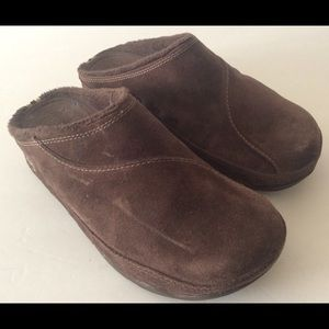 FitFlop Slippers Womens Sz 7US 38EUR Brown Suede